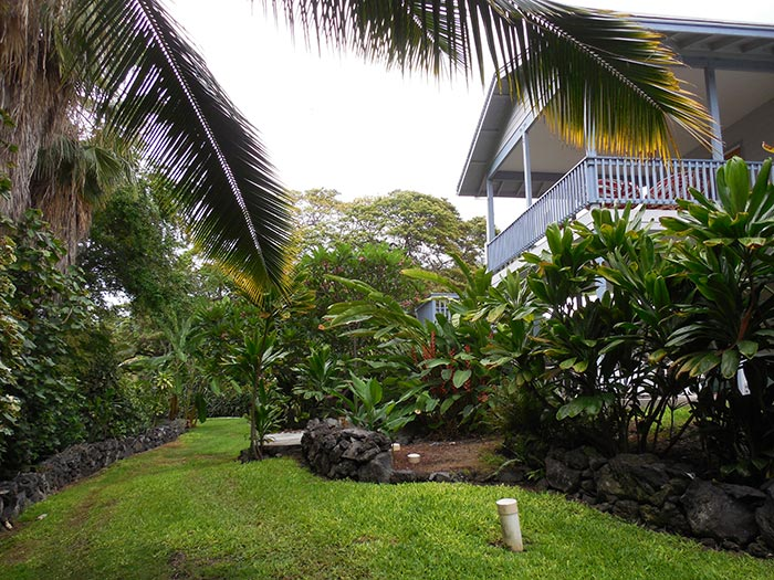 upper lanai and front lawn