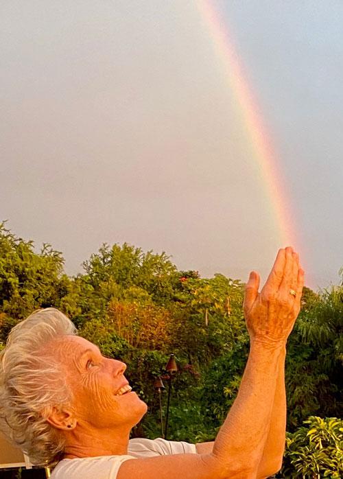 Anna Bonas with a rainbow